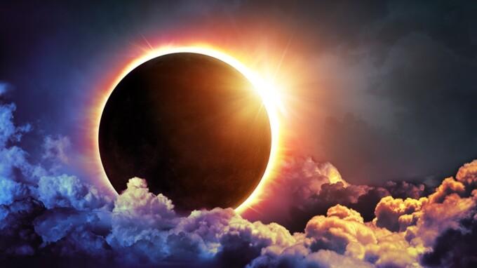 Солнечное затмение и новолуние 14 декабря 2020 года - что можно и нельзя  делать - Телеканал Украина